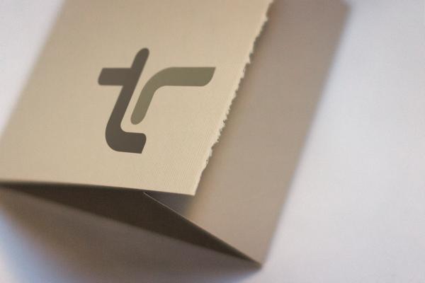 tr_logo2